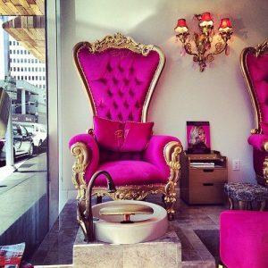 Baroque Throne in Pink